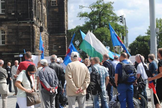PM: Kundgebung vor der sächsischen Staatskanzlei