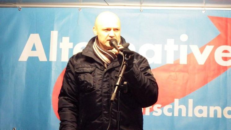 Bilder - AfD Demo gegen Merkels Asylpolitik in Dresden am 27.11.2015