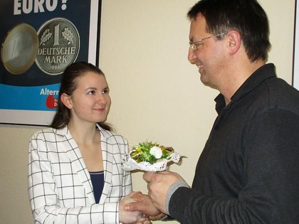 AfD Dresden begrüßt Studentin als 200. Mitglied