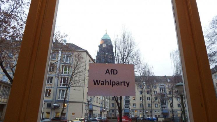 Bilder der Wahlfeier vom 13.03.2016 im Dresdner AfD-Büro