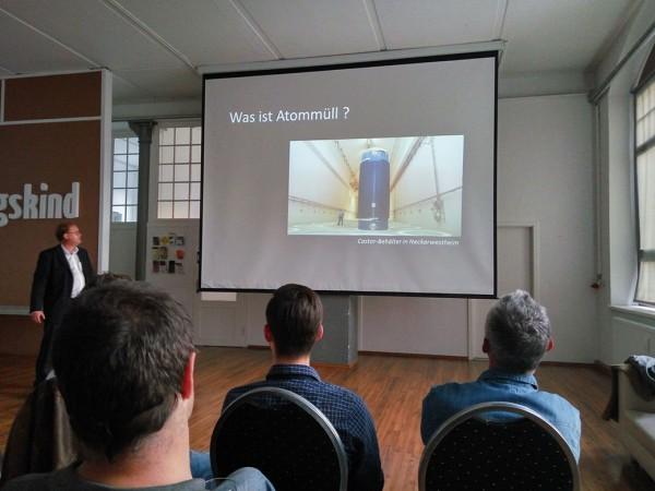 """Wissenschaft gegen """"Atomangst""""  LFA 10 Energiepolitik veranstaltet Vortrag zur Volksaufklärung"""