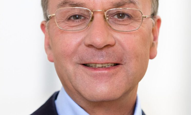 Dr. Joachim M. Keiler - Warum uns die Uni basht