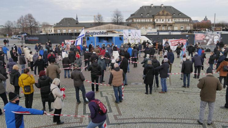 Bericht von der AfD-Kundgebung für den Schutz unserer Grundrechte auf dem Theaterplatz in Dresden am 05.12.2020